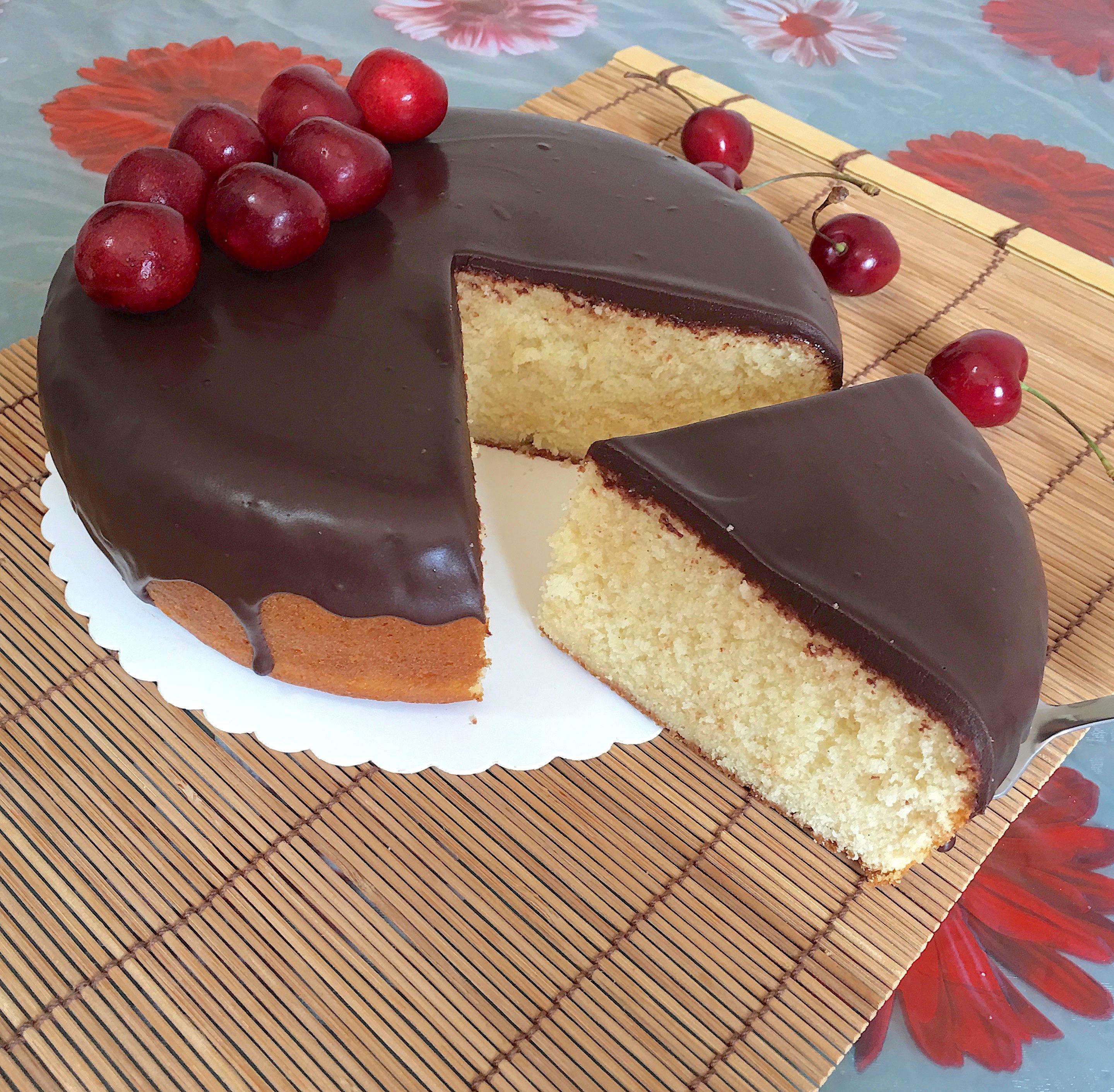 Ricetta Torta Al Cioccolato Glassata.Torta Alla Panna E Glassa Al Cioccolato Una Pigra In Cucina